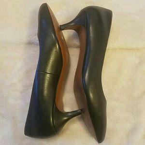 Cole Haan Shoes - 👠 Cole Haan pointy medium heels size 7